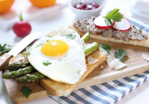 Frühstück mit Spargel